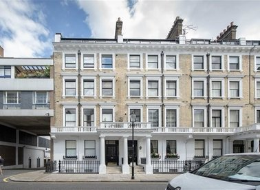 Properties for sale in Ovington Gardens - SW3 1LS view1