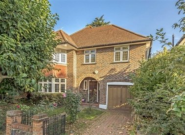 Properties for sale in Park Road - TW12 1HP view1