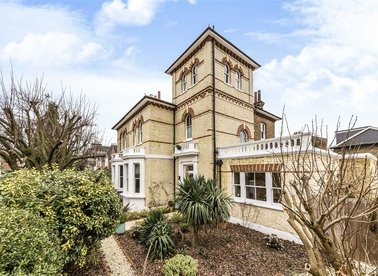 Properties for sale in Park Road - TW12 1HE view1