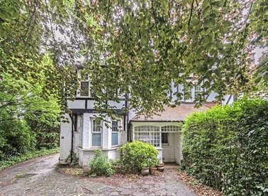 Properties for sale in Park Road - TW12 1HG view1