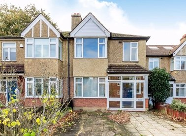 Properties sold in Percy Road - TW12 2JP view1