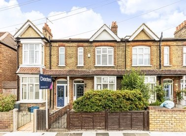 Properties for sale in Percy Road - TW12 2JW view1