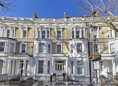 Properties for sale in Philbeach Gardens - SW5 9EE view1