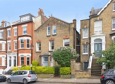 Properties for sale in Pilgrims Lane - NW3 1SN view1