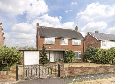 Properties for sale in Pine Wood - TW16 6SH view1