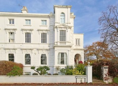 Properties for sale in Portland Terrace - TW9 1QQ view1