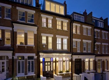 Properties for sale in Primrose Gardens - NW3 4TP view1