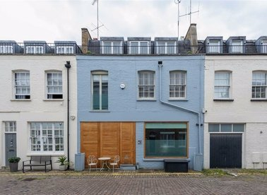 Properties for sale in Princes Gate Mews - SW7 2PS view1