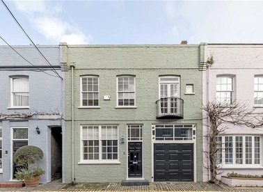 Properties for sale in Princes Gate Mews - SW7 2PR view1