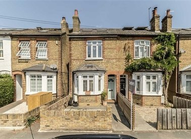 Properties sold in Priory Road - TW12 2NT view1