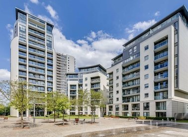 Properties for sale in Pump House Crescent - TW8 0HH view1