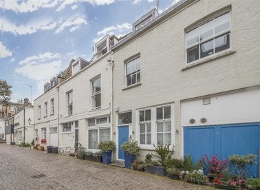 Properties for sale in Queen's Gate Mews - SW7 5QN view1