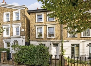 Properties for sale in Queensbridge Road - E8 3NB view1