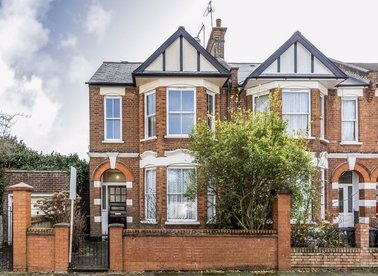 Properties for sale in Radcliffe Avenue - NW10 5XU view1