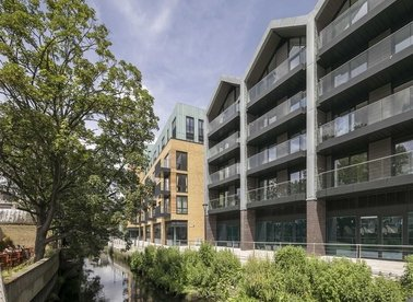 Properties for sale in Ram Street - SW18 1TJ view1