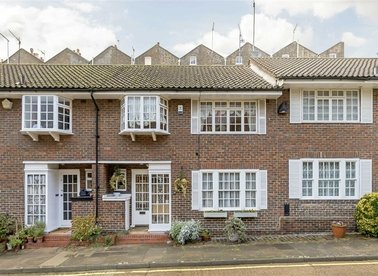 Properties for sale in Randolph Mews - W9 1AW view1