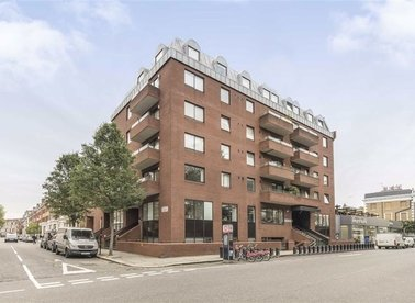 Properties for sale in Roland Gardens - SW7 3RW view1