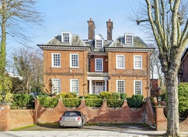 Properties for sale in Rosecroft Avenue - NW3 7QB view1