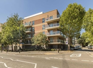 Properties for sale in Rosemont Road - W3 9AX view1