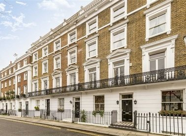 Properties for sale in Royal Avenue - SW3 4QF view1