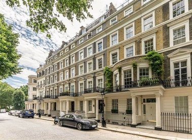 Properties for sale in Rutland Gate - SW7 1BB view1