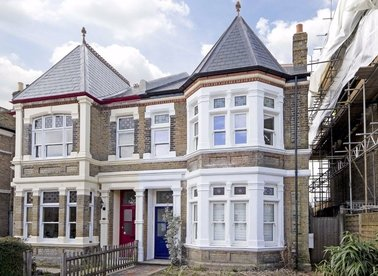 Properties for sale in Sandycoombe Road - TW1 2LR view1