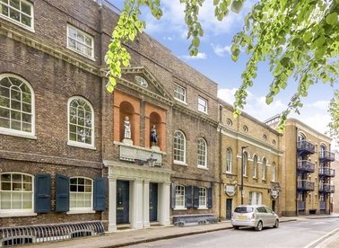 Properties for sale in Scandrett Street - E1W 2UP view1