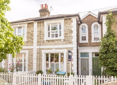 Properties sold in Seymour Road - TW12 1DD view1