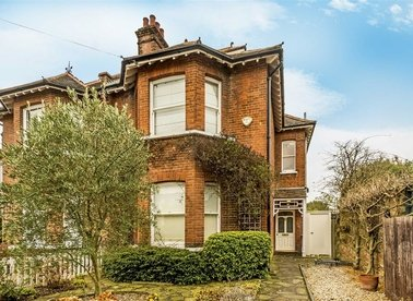 Properties for sale in Seymour Road - TW12 1DD view1