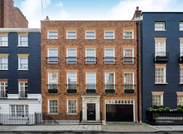 Properties for sale in South Street - W1K 1DJ view1