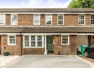 Properties for sale in Spring Grove - TW12 2DP view1