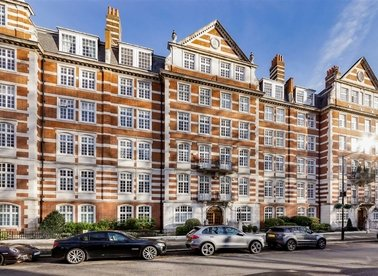 Properties for sale in St. Johns Wood High Street - NW8 7DY view1