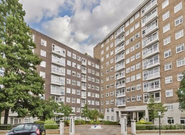 Properties for sale in St. Johns Wood Park - NW8 6RB view1