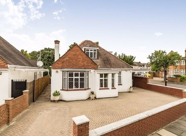 Properties for sale in St. Marys Crescent - TW7 4NA view1