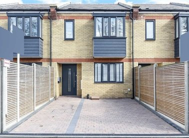 Properties for sale in Surrey Crescent - W4 4AB view1