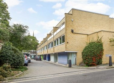 Properties for sale in Swains Lane - N6 6PJ view1