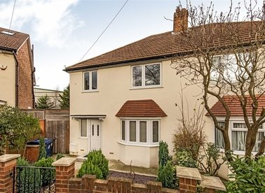 Properties for sale in Taylors Green - W3 7PF view1