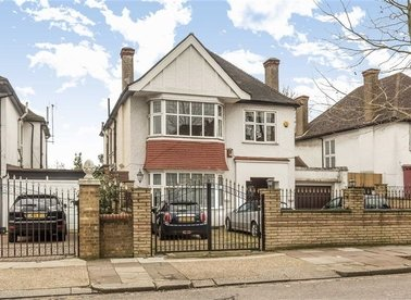 Properties for sale in The Avenue - NW6 7NN view1