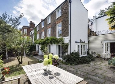 Properties for sale in The Mount - NW3 6SZ view1