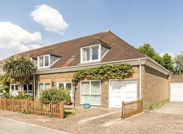 Properties for sale in The Orangery - TW10 7HJ view1