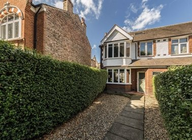 Properties for sale in Thorney Hedge Road - W4 5SB view1