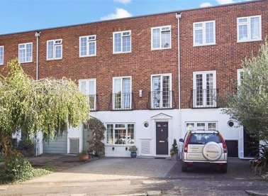 Properties for sale in Topiary Square - TW9 2DB view1