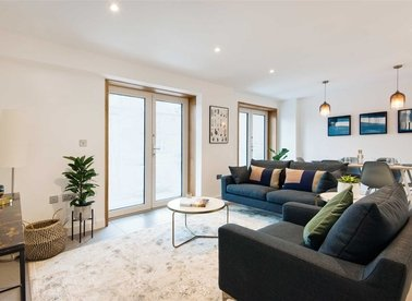 Properties for sale in Upper Clapton Road - E5 9BU view1