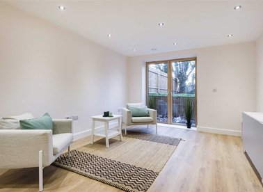 Properties for sale in Upper Clapton Road - E5 8AY view1