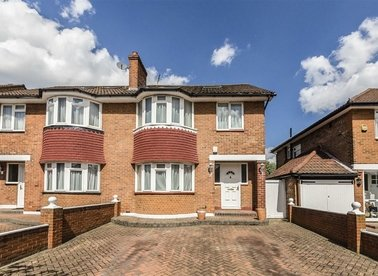 Properties for sale in Vyner Road - W3 7LY view1