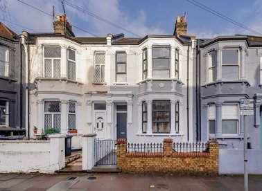 Properties for sale in Wakeman Road - NW10 5BJ view1