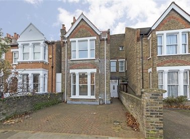 Properties for sale in Waldeck Road - W13 8LY view1