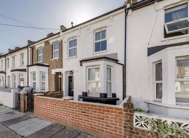 Properties for sale in Waldo Road - NW10 6AU view1