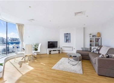 Properties for sale in Wapping High Street - E1W 1LH view1