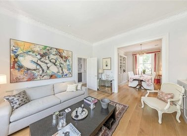 Properties for sale in Warwick Gardens - W14 8PP view1